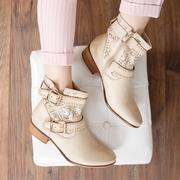 cizme albe de vara