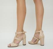 sandale elegante de lac