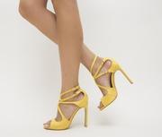 sandale galbene de ocazie